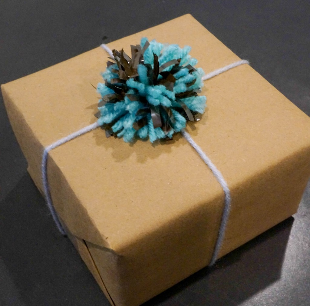 Pom Gift Wrap